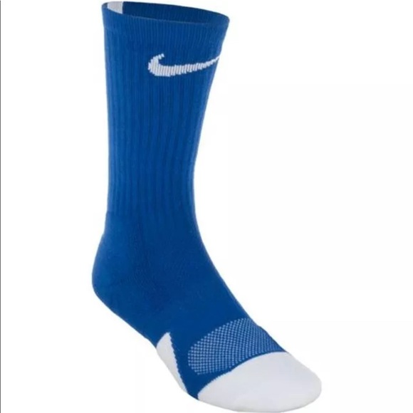 new product 2ffbf 3c16e Nike Elite Basketball Socks (Youth  Women s)